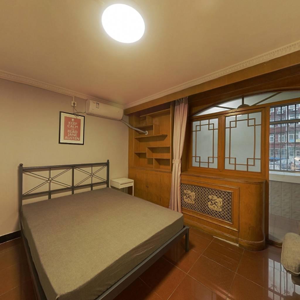 合租·富河园 3室1厅 南卧室图