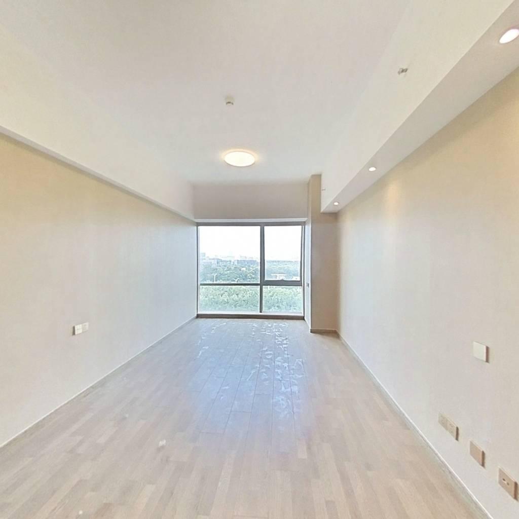 整租·绿地之窗 1室1厅 东南