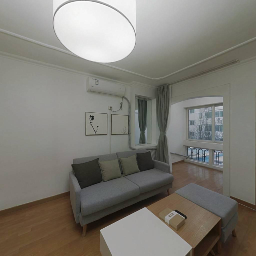 整租·龙泽苑西区 2室1厅 南卧室图
