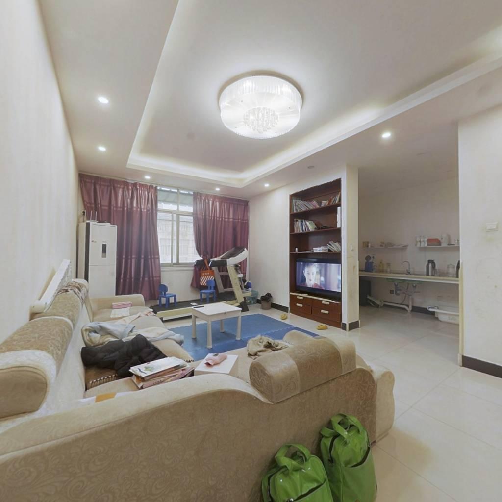 仁兴家园,复式楼,楼梯房,两层带车库,房东急售。