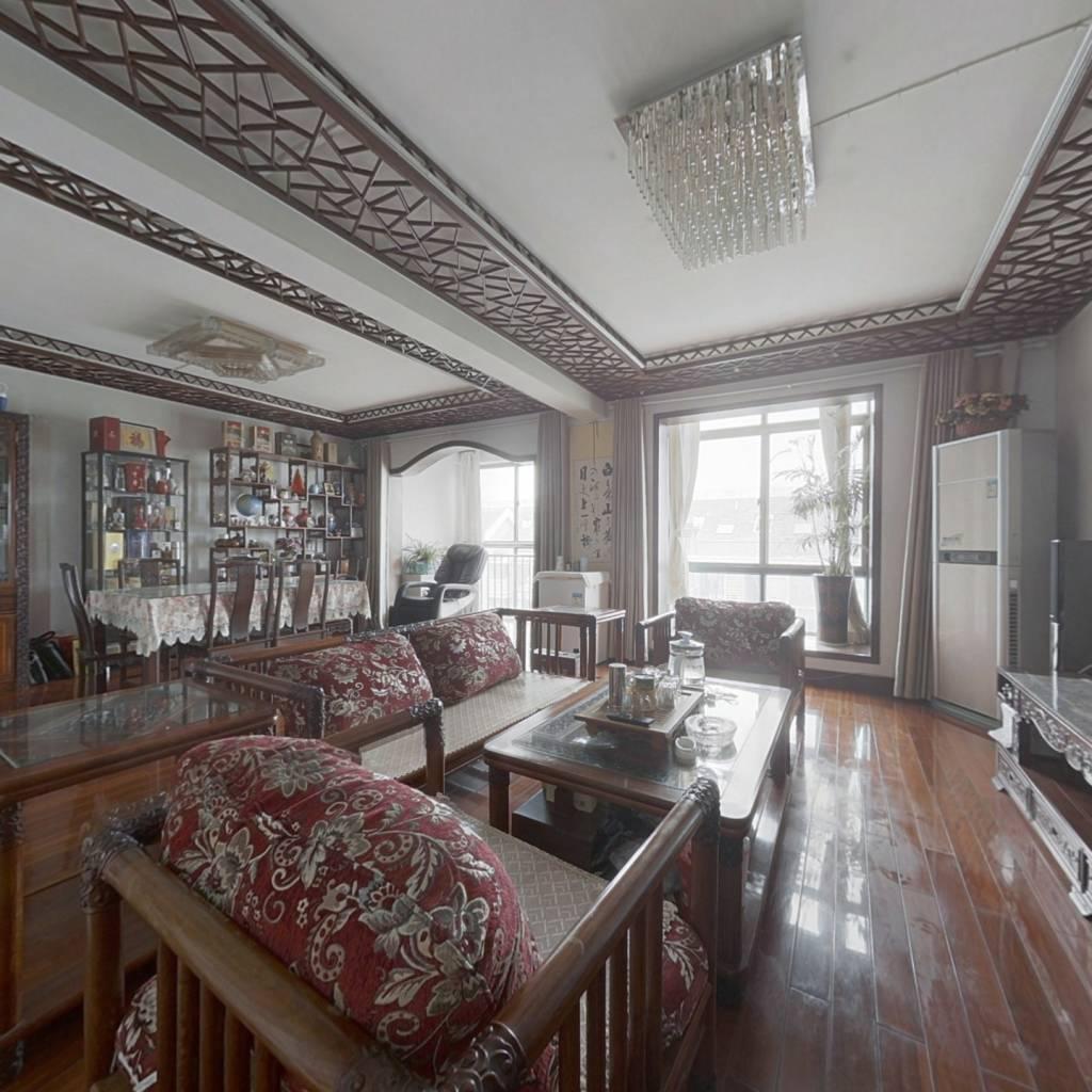 三山地铁口,皇册家园,电梯房,三层跃式,带露台