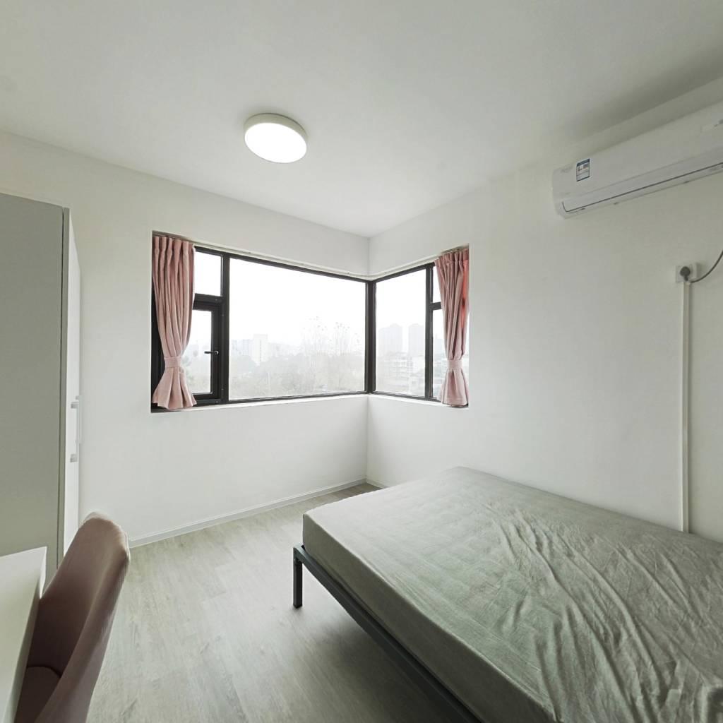 合租·新希望锦官阁 4室1厅 北卧室图
