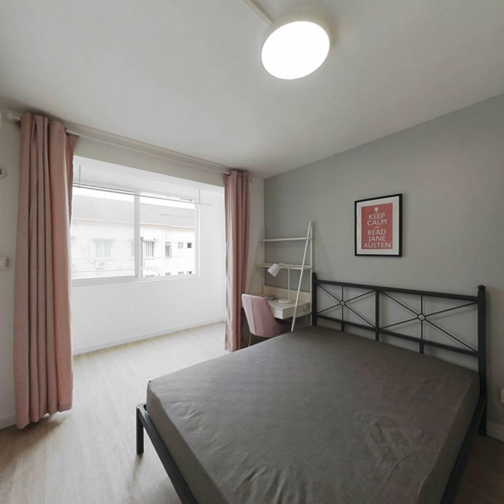 合租·翠春小区 3室1厅 南卧室图