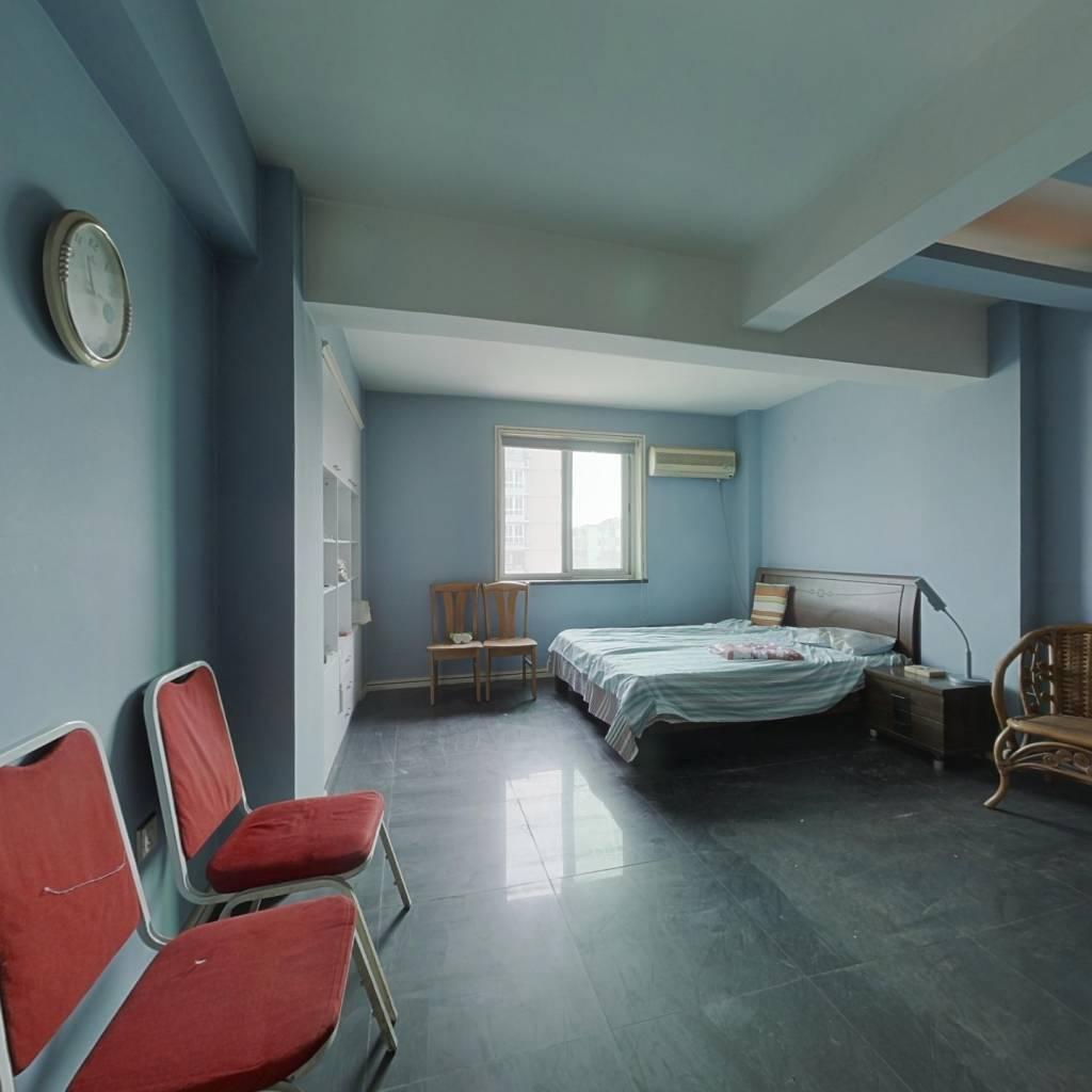 嘉华新苑 1室1厅 东北