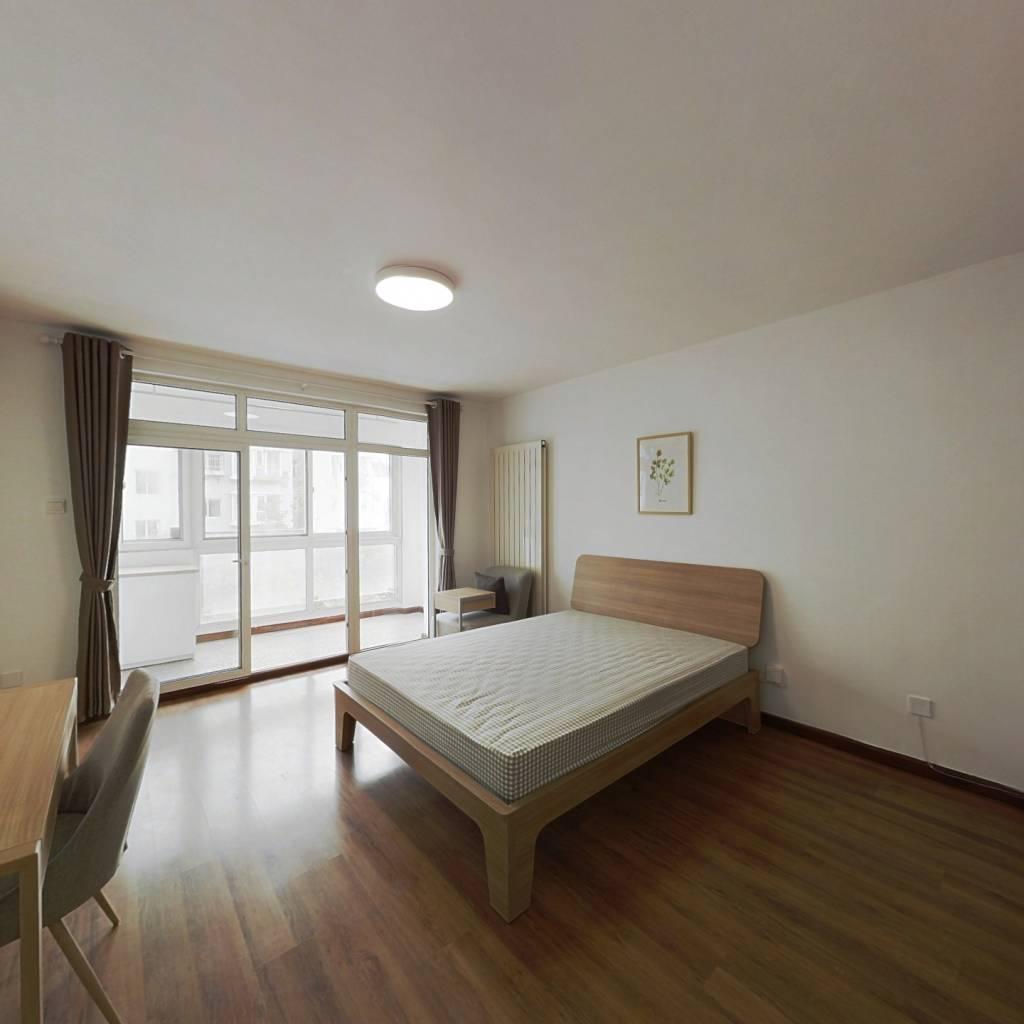 合租·北京青年城 3室1厅 南卧室图