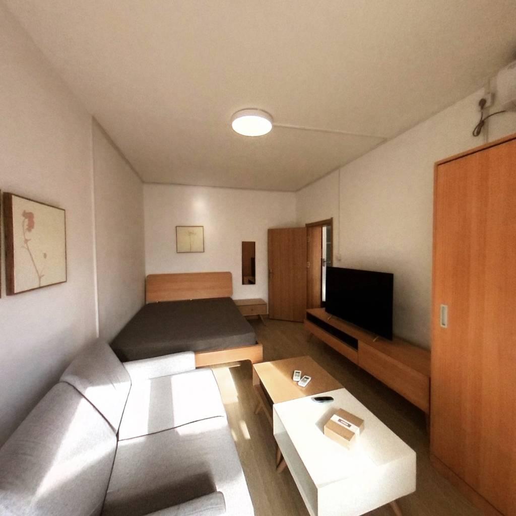 整租·北官厅胡同 2室1厅 南卧室图