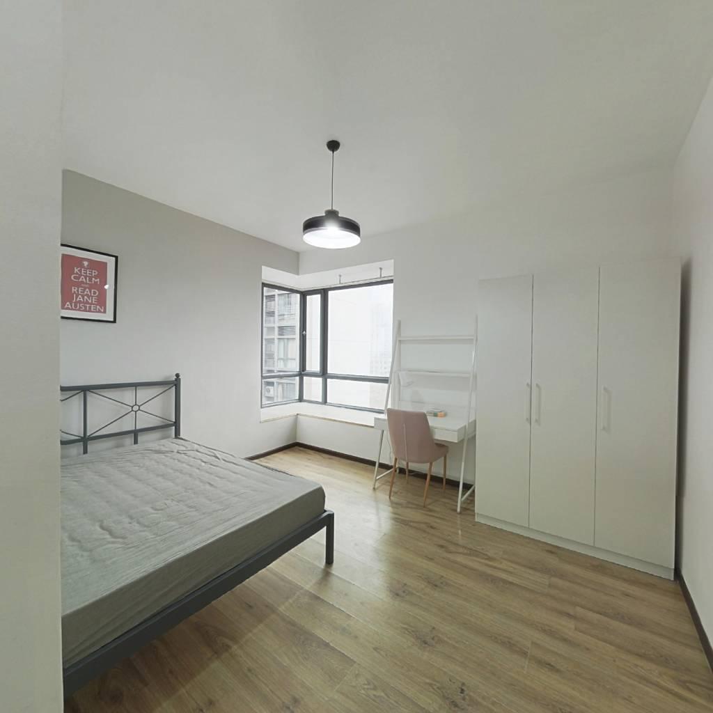 合租·澳龙名城 3室1厅 西北卧室图