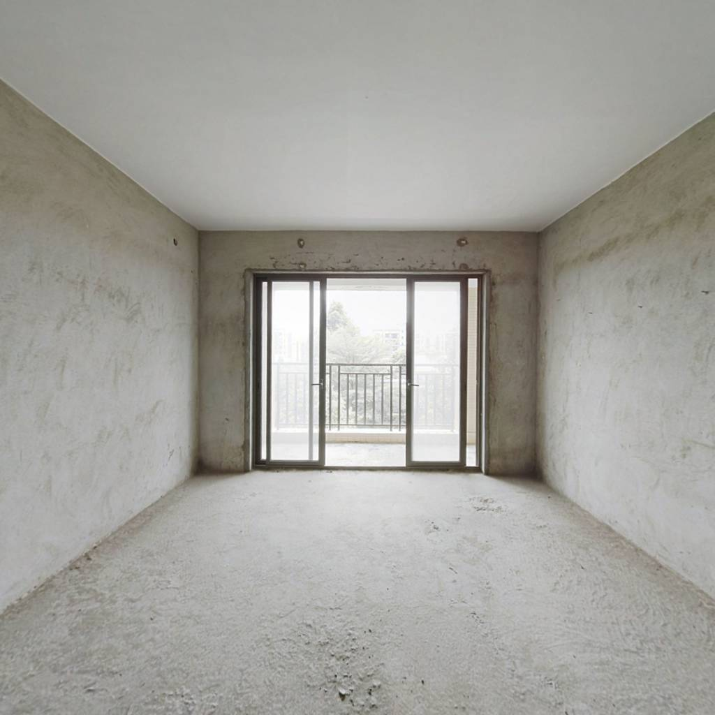 此房楼层采光好,户型方正,业主诚意出售!