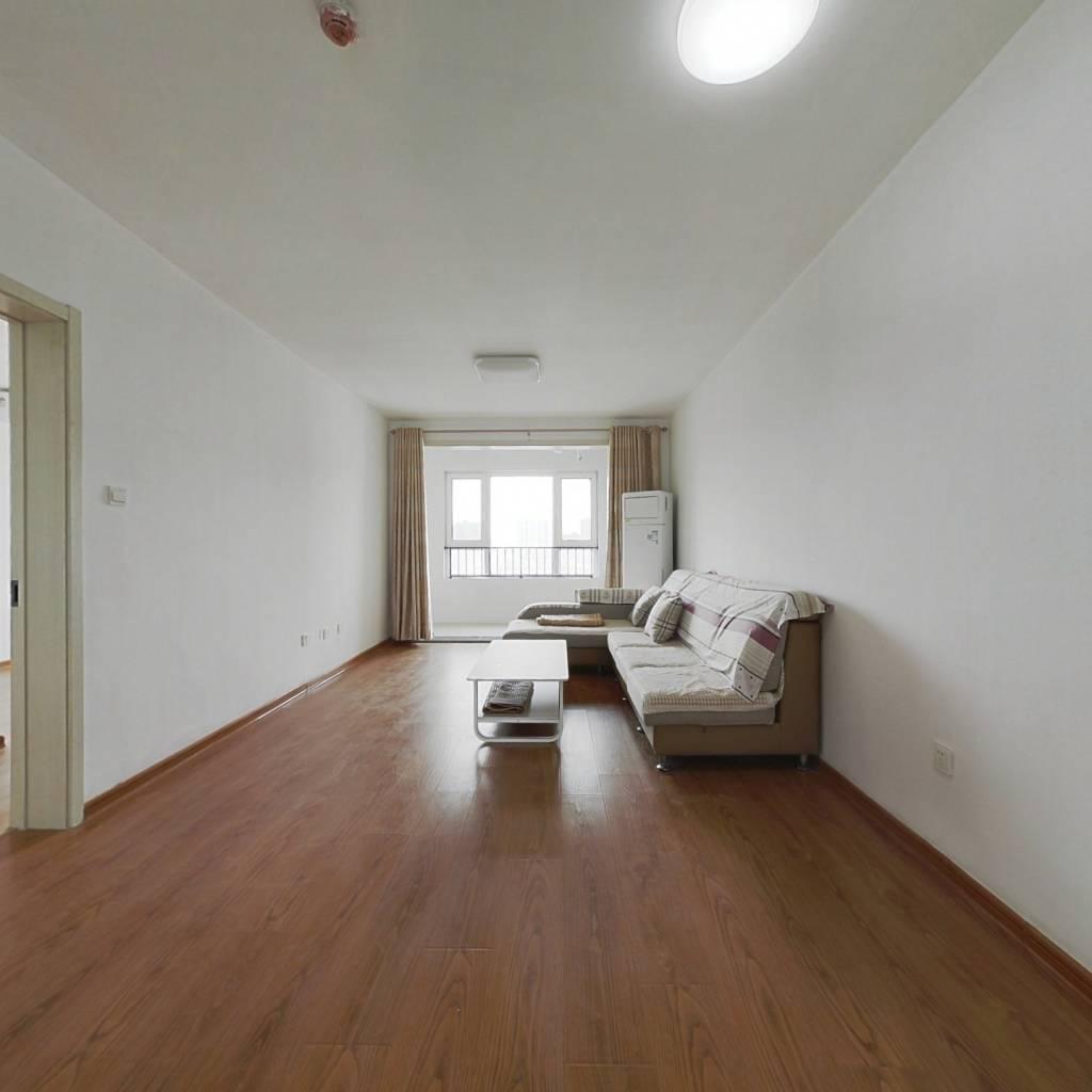 龙湖3室2厅2卫  楼层位置佳 采光棒 南北通透