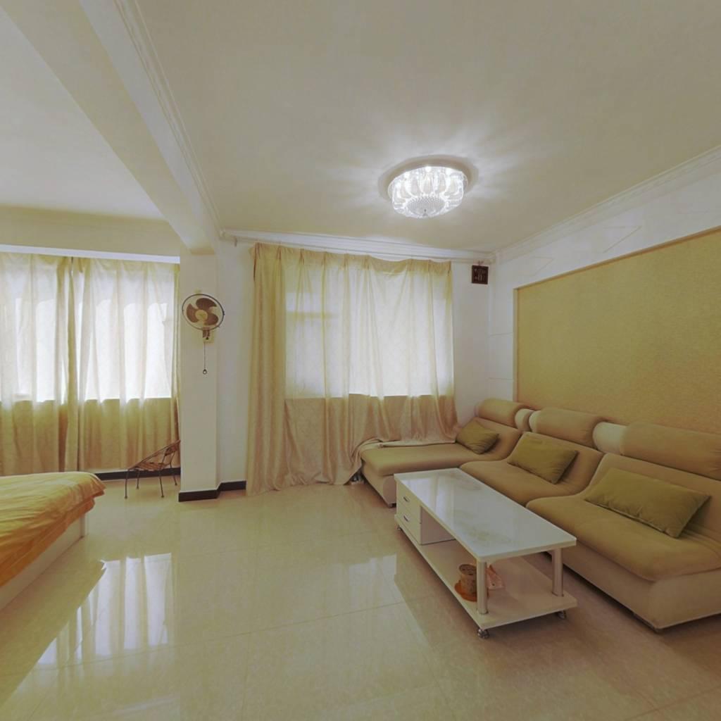 西海岸精装一室一厅,高楼层,无遮挡,采光很好