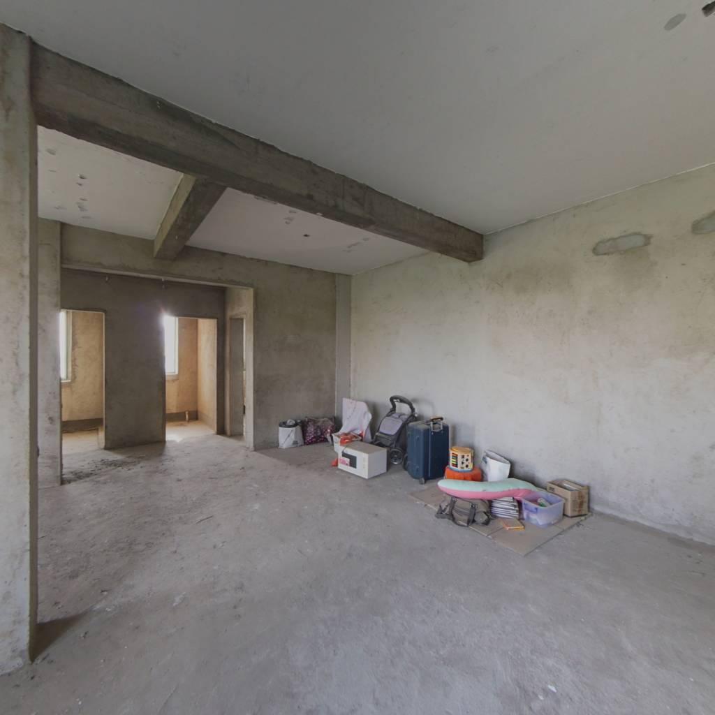 电梯毛坯两房,户型方正采光好!