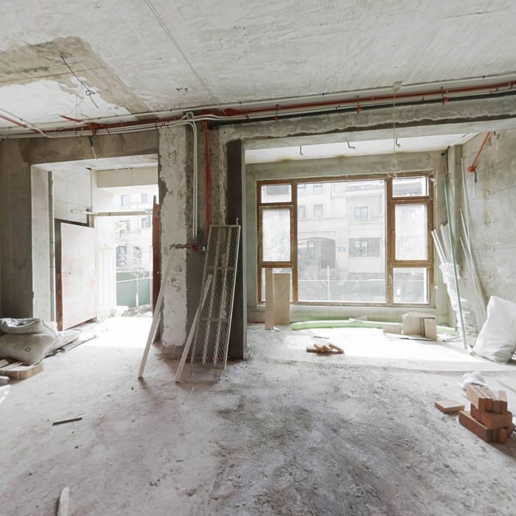 纯毛坯联排别墅,已土建,小区中间位置安静惬意