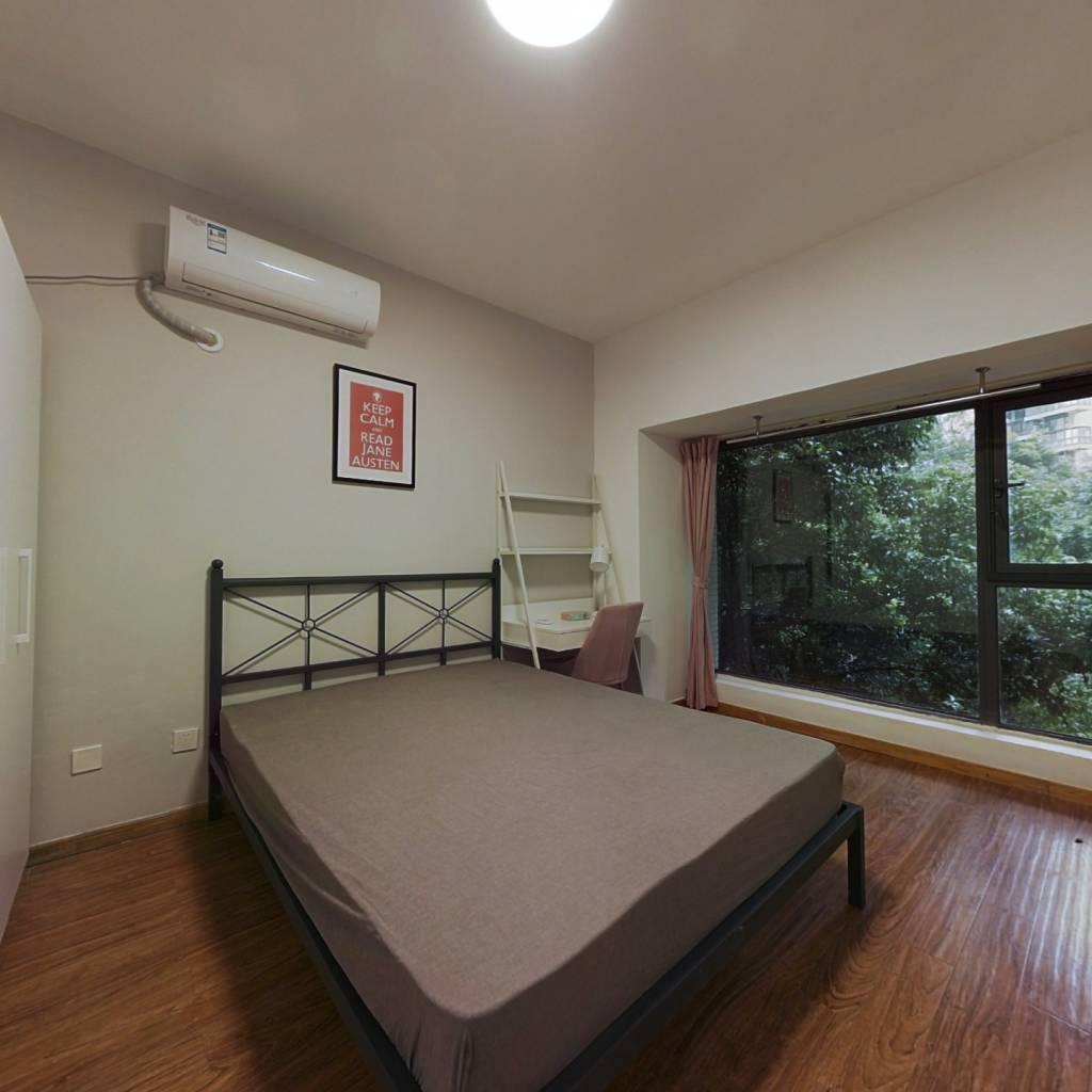 合租·财富又一城 3室1厅 西卧室图