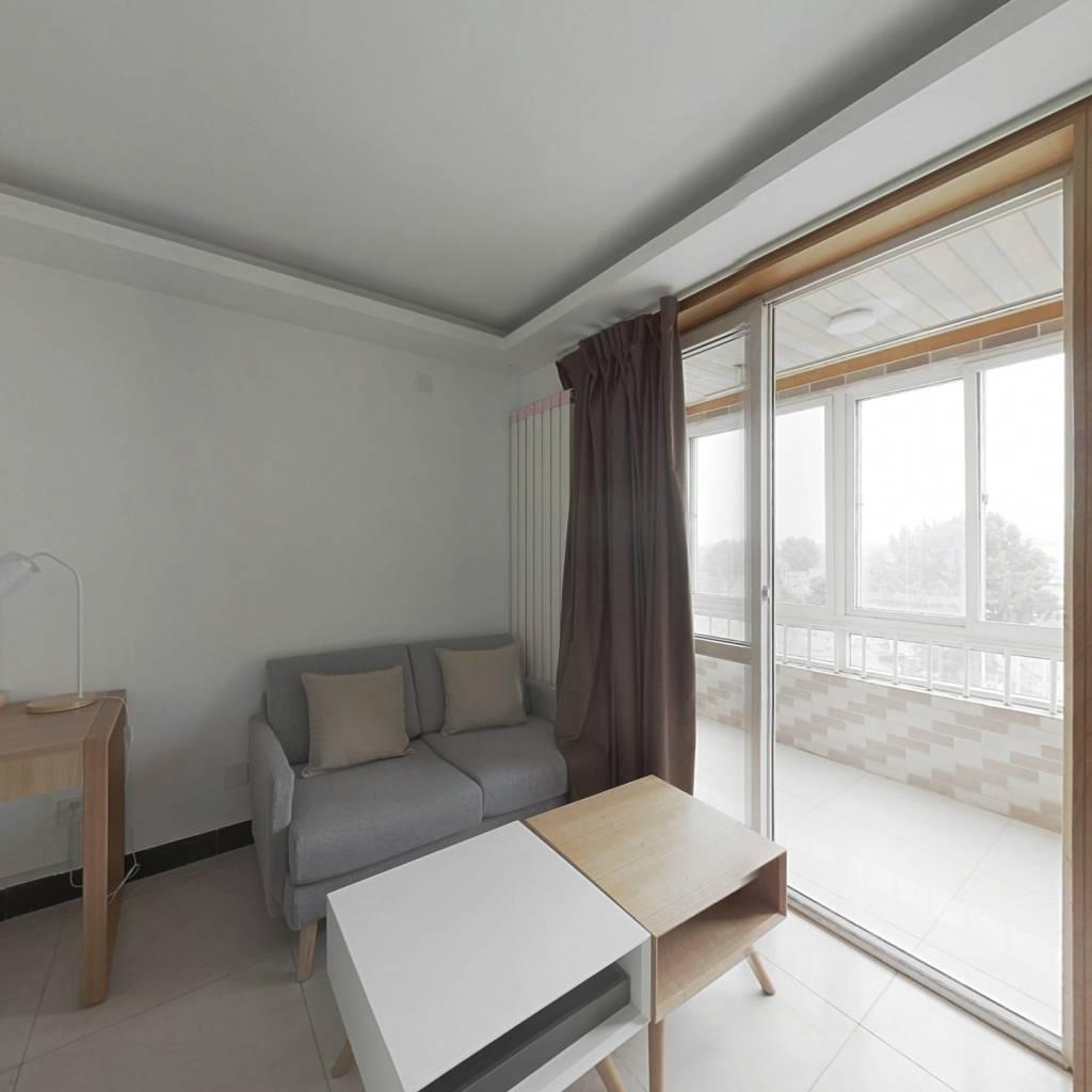 合租·天桥北里 3室1厅 东卧室图