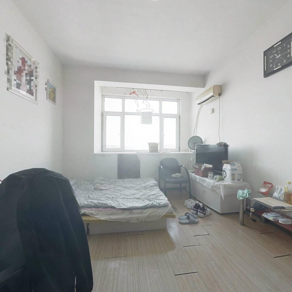 公寓房,楼层好,视野开阔,配套齐全,出行便利