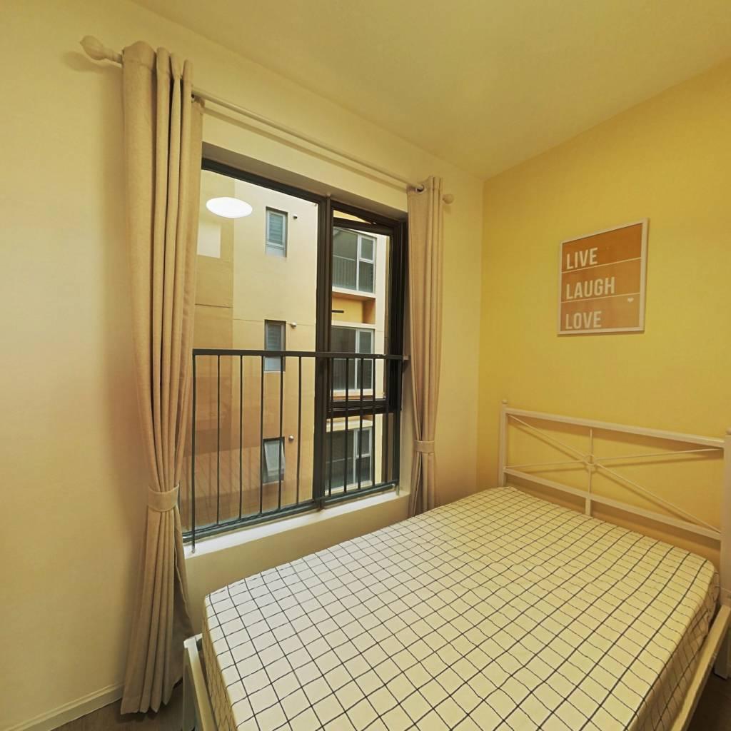 合租·御龙山二期 5室1厅 西南卧室图