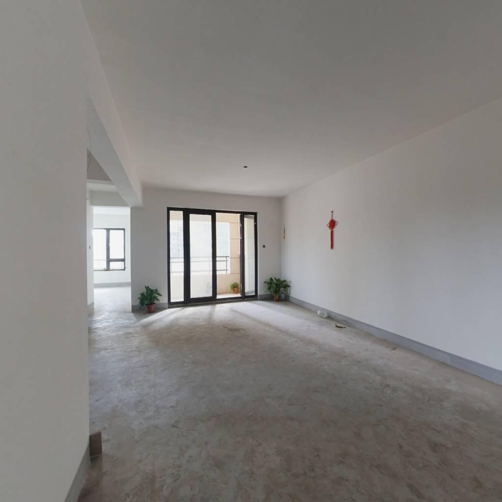 临江朝南毛坯两房,满两年单价低,诚心出售