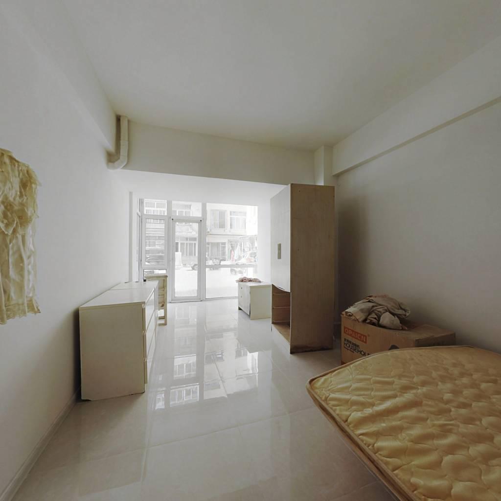 白云公寓产权 低楼层 出行便利 看房方便