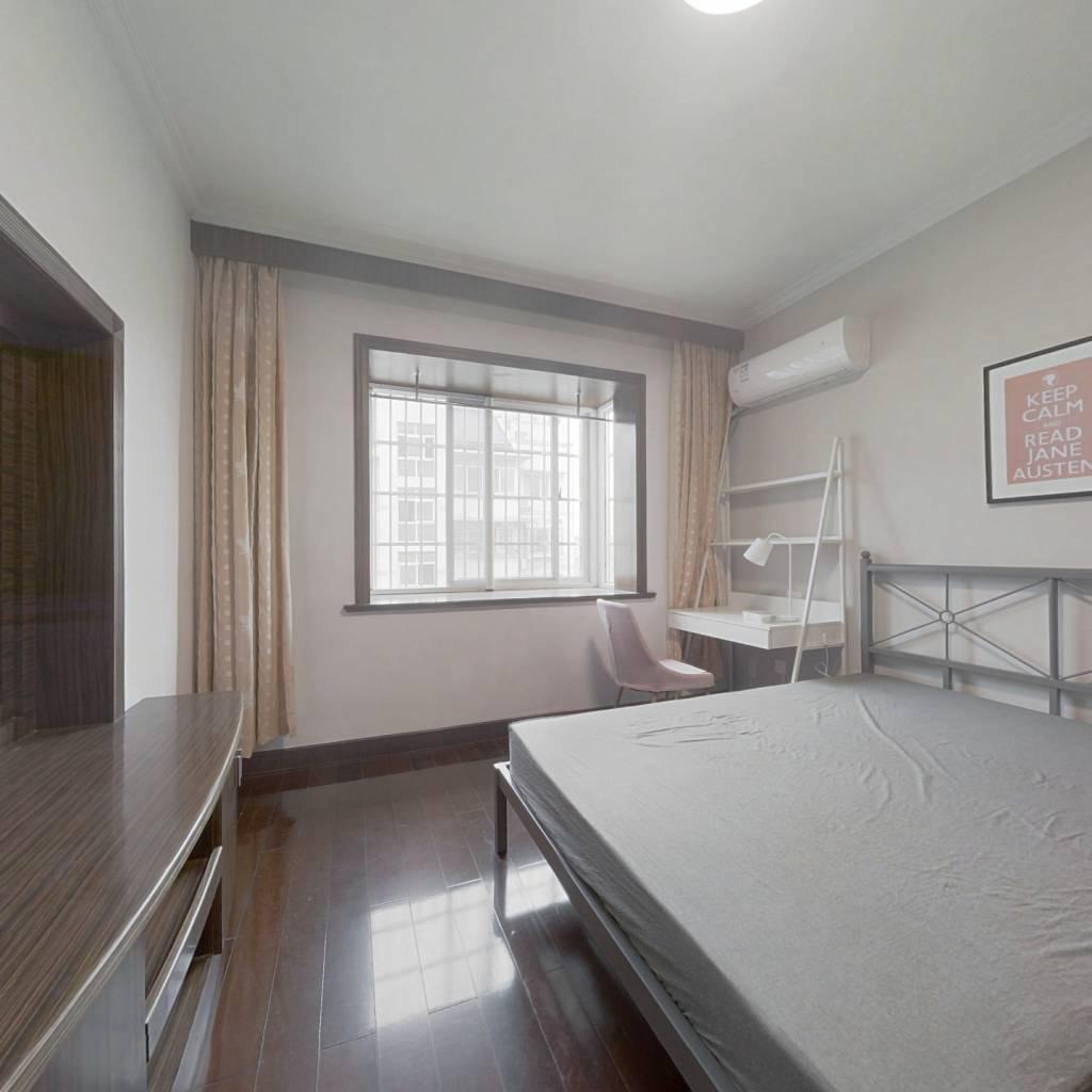 合租·春波小区 4室1厅 南卧室图