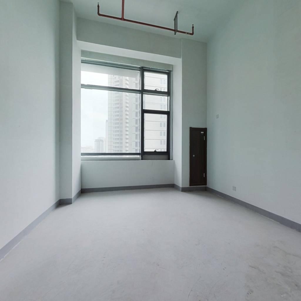 41平复式公寓, 地段好,出租方便