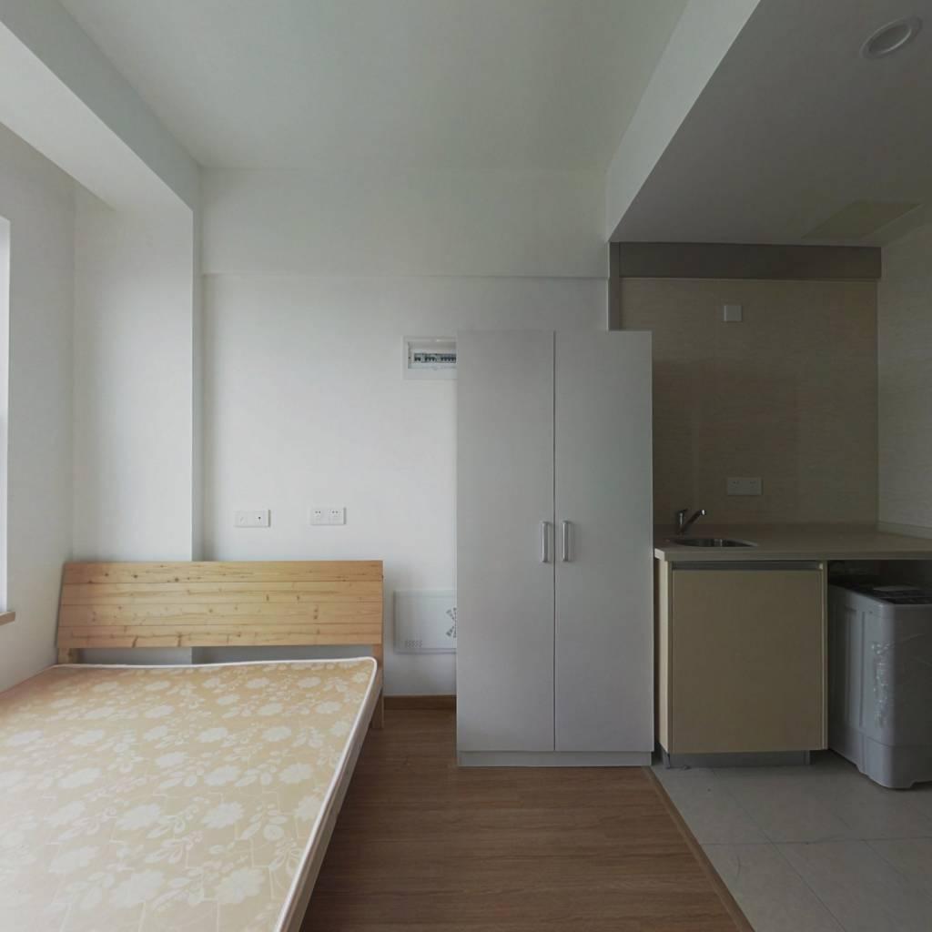 万科经典小公寓  可租可售  随时看房