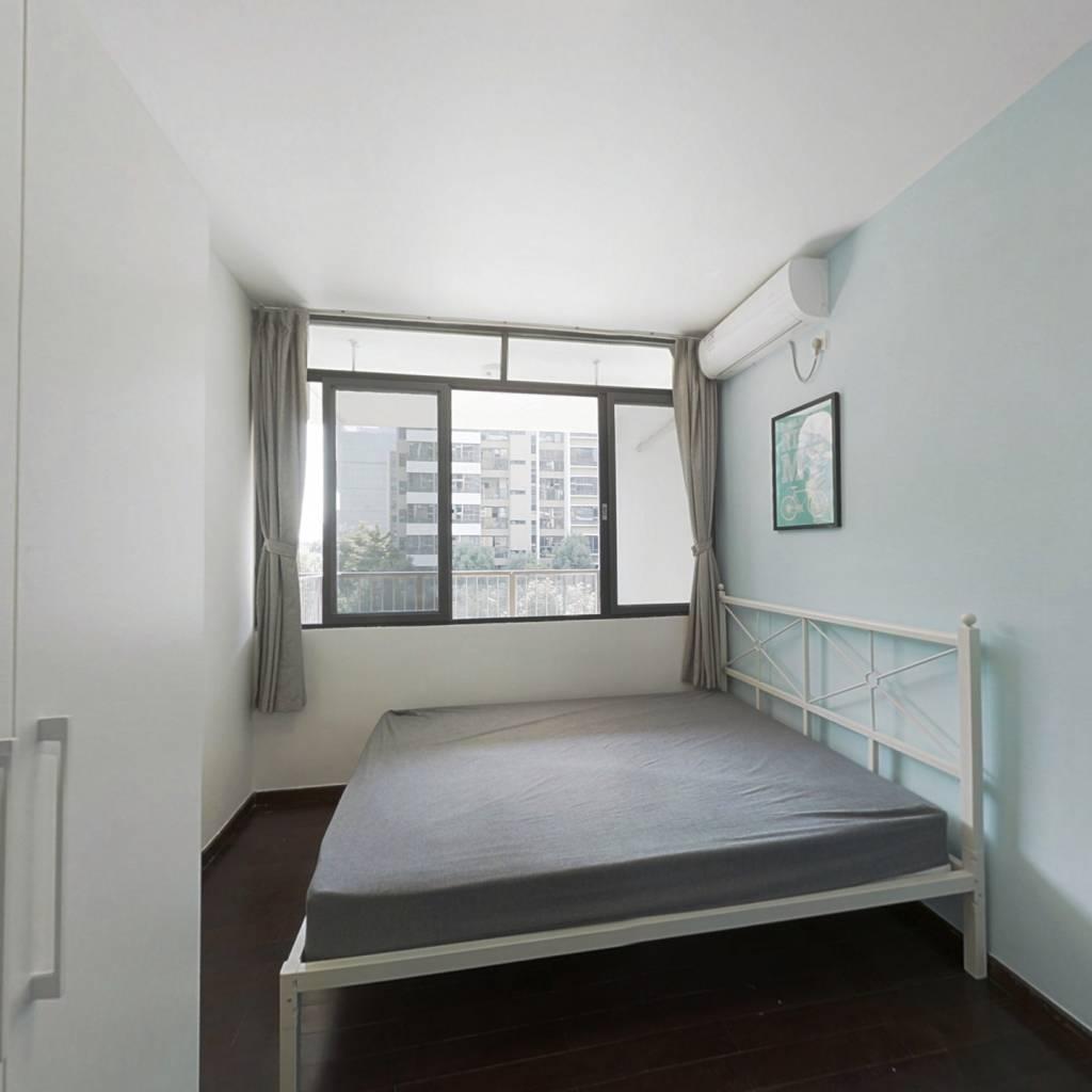 合租·保利香雪山花园 5室1厅 北卧室图