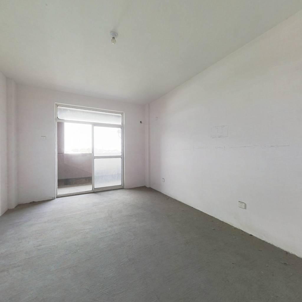 盛景阁公寓纯毛坯采光位置佳,有电梯