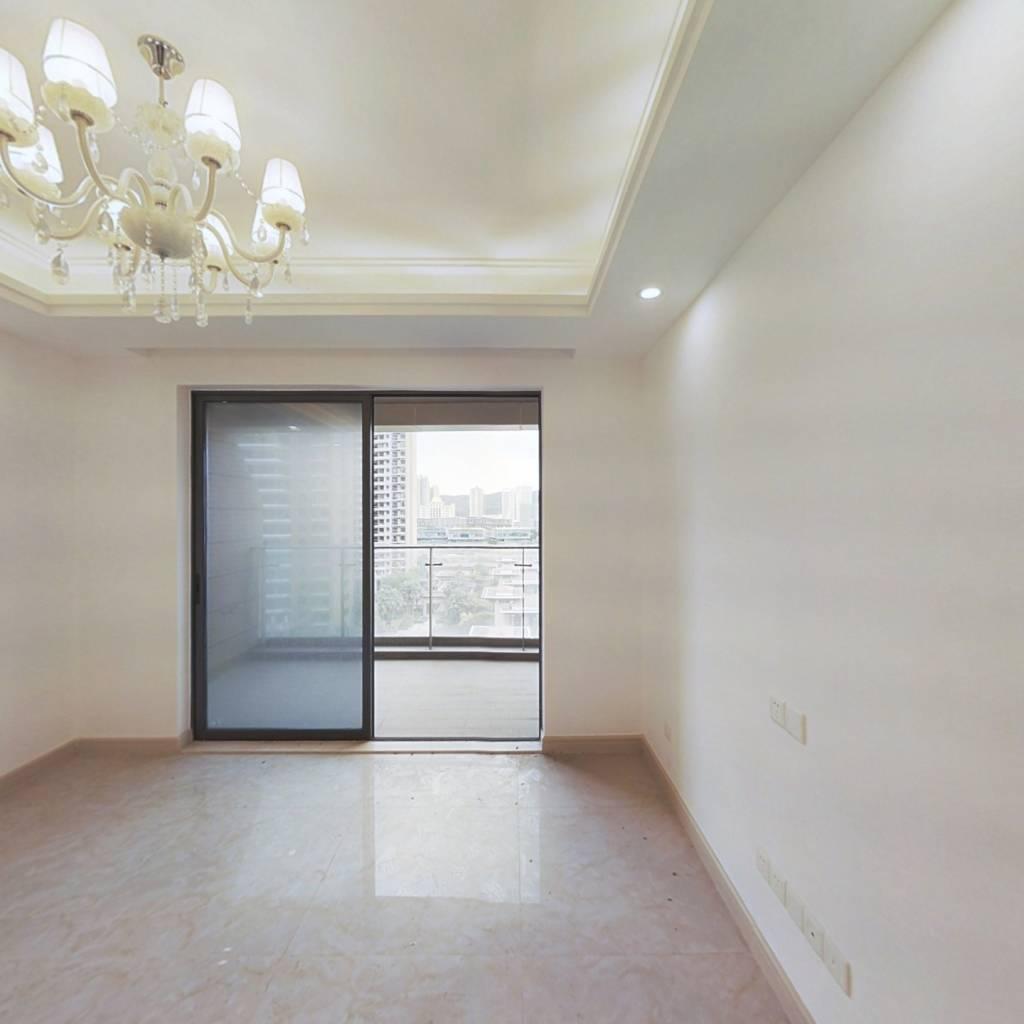 南北通,户型方正,外置大阳台采光充足居住舒适度高。