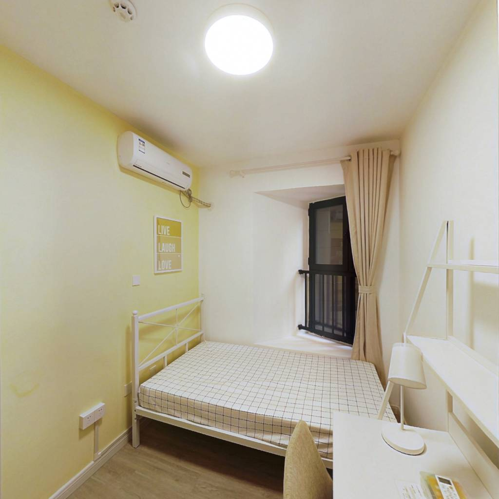 合租·富力又一城 3室1厅 东卧室图