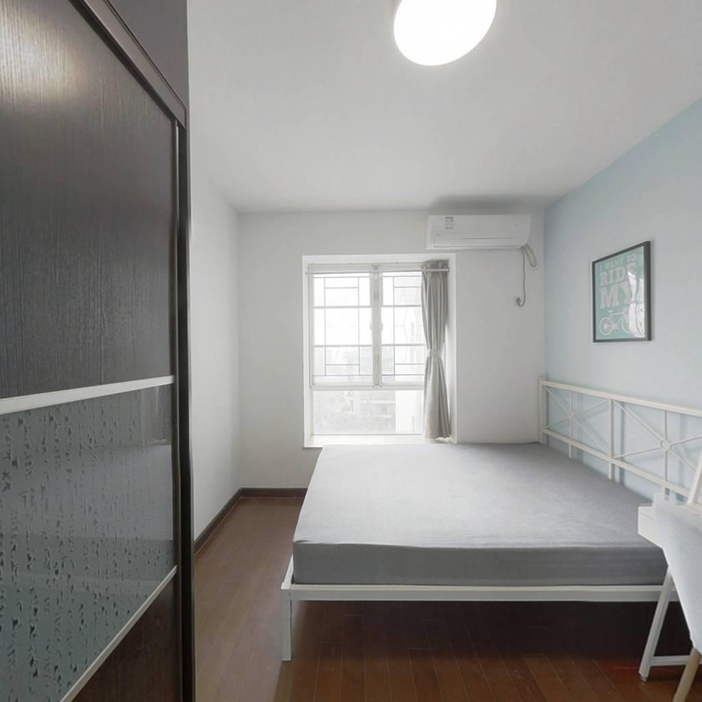 合租·保利花园 4室1厅 北卧室图
