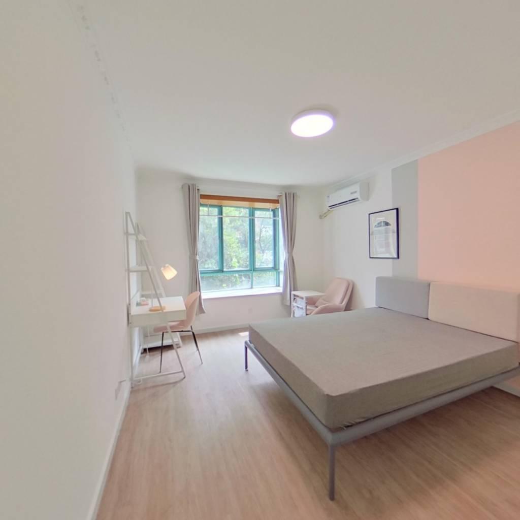 合租·阳城花园 4室1厅 南卧室图