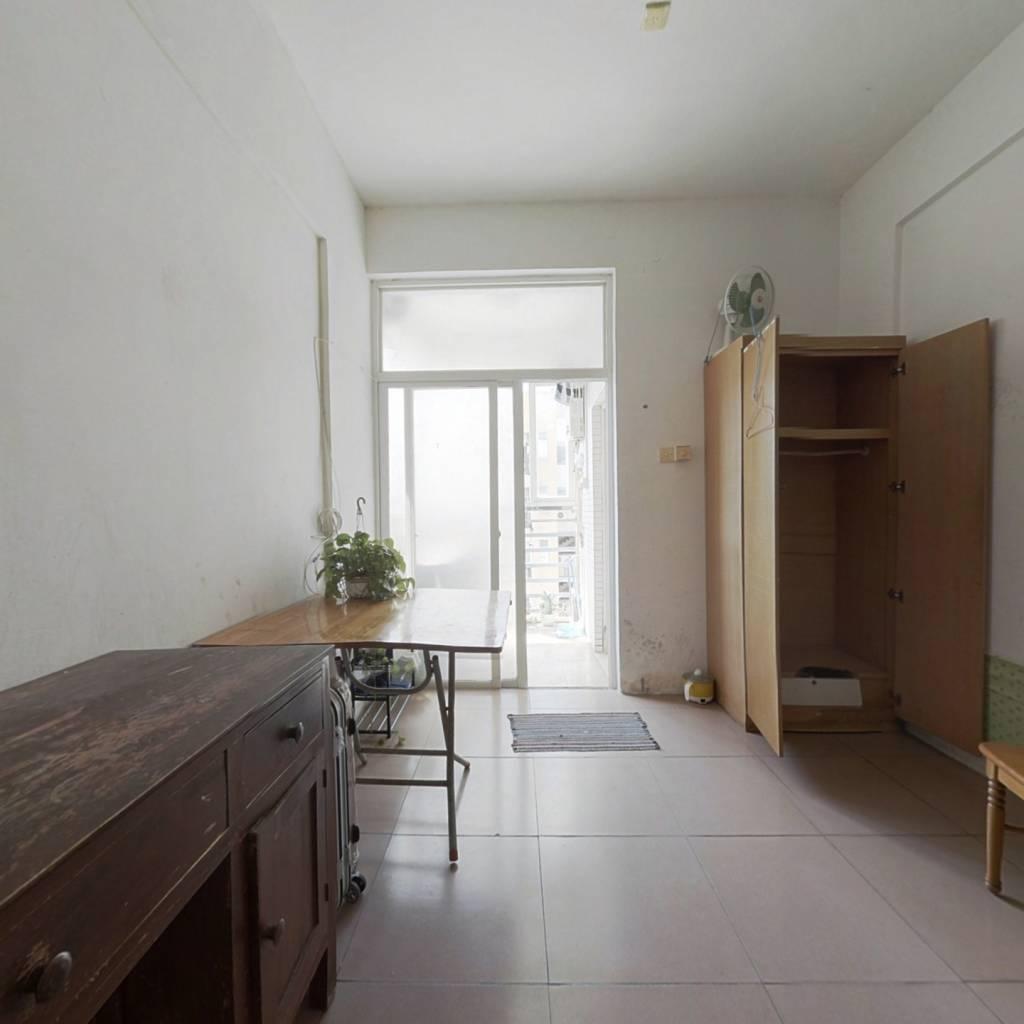 诚售 阳台朝南 不近马路 免扬尘 单身公寓 即买即收租