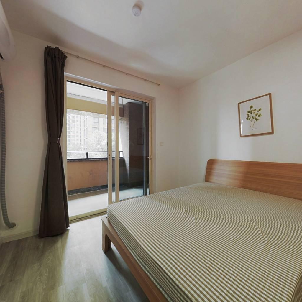 合租·德圣博奥城 4室1厅 南卧室图
