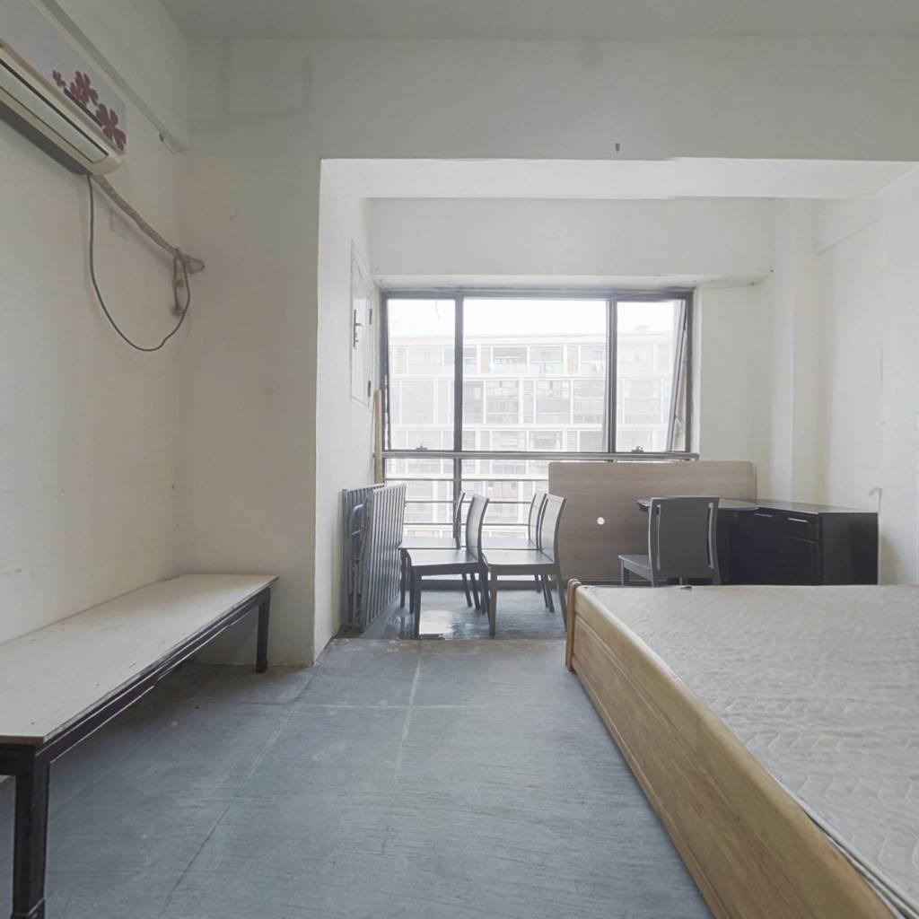 双银国际金融城  1室1厅 低总价