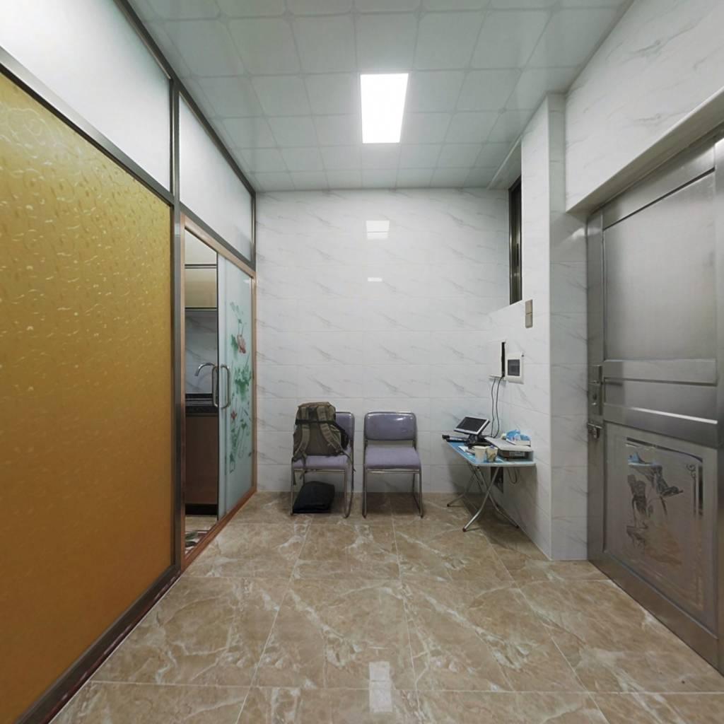 豪贤路小面积新装修实用房,干净居住舒适