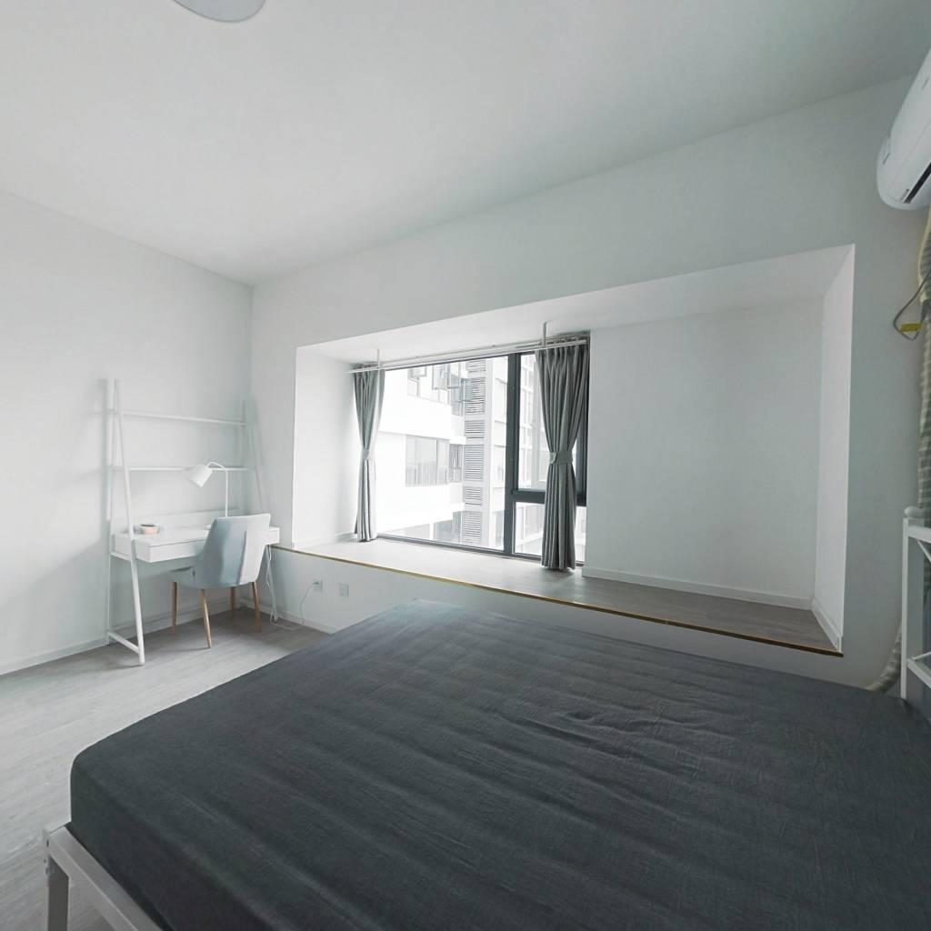 合租·戛纳湾金棕榈 4室1厅 东北卧室图