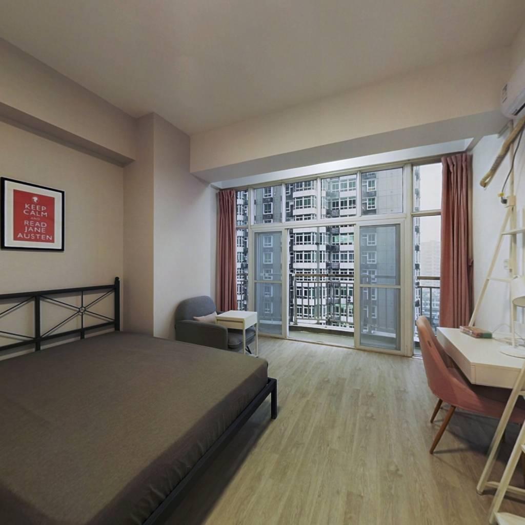 合租·嘉鑫大厦 4室1厅 南卧室图