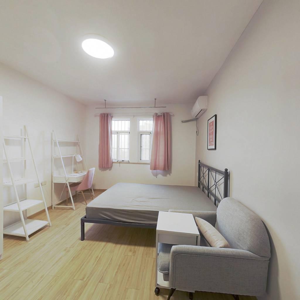 合租·东湖景园B区 5室1厅 南卧室图