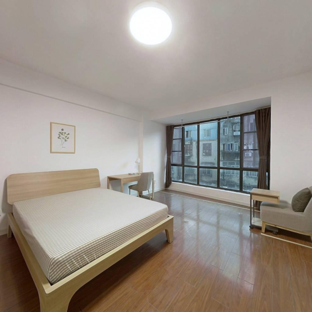 合租·泰合花园 4室1厅 南卧室图
