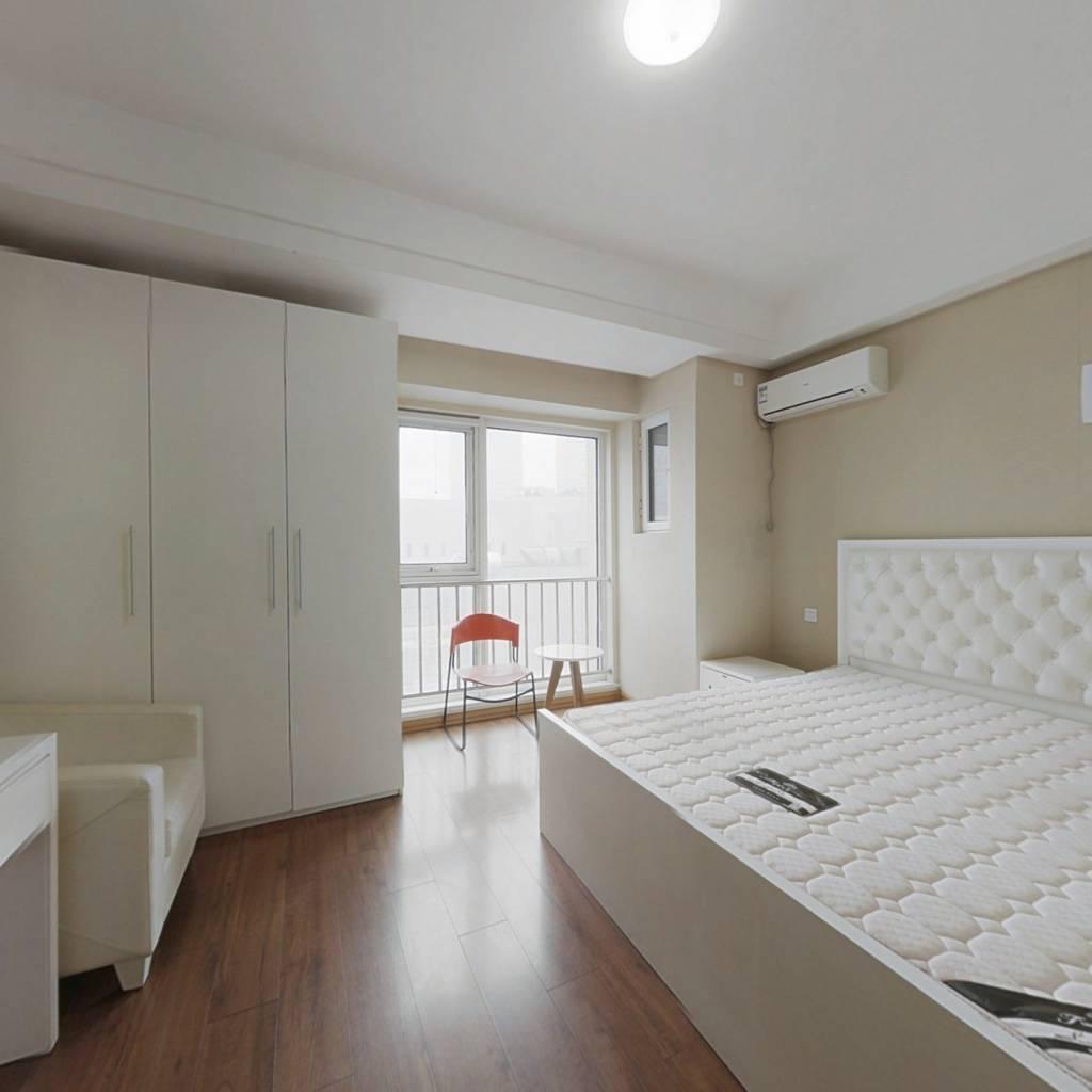 万达旁精装小公寓 统一精装修 适合tou资过度 诚心出售