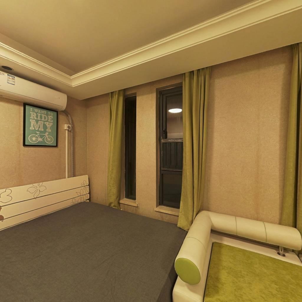 合租·龙湖三千城A区 4室1厅 东卧室图