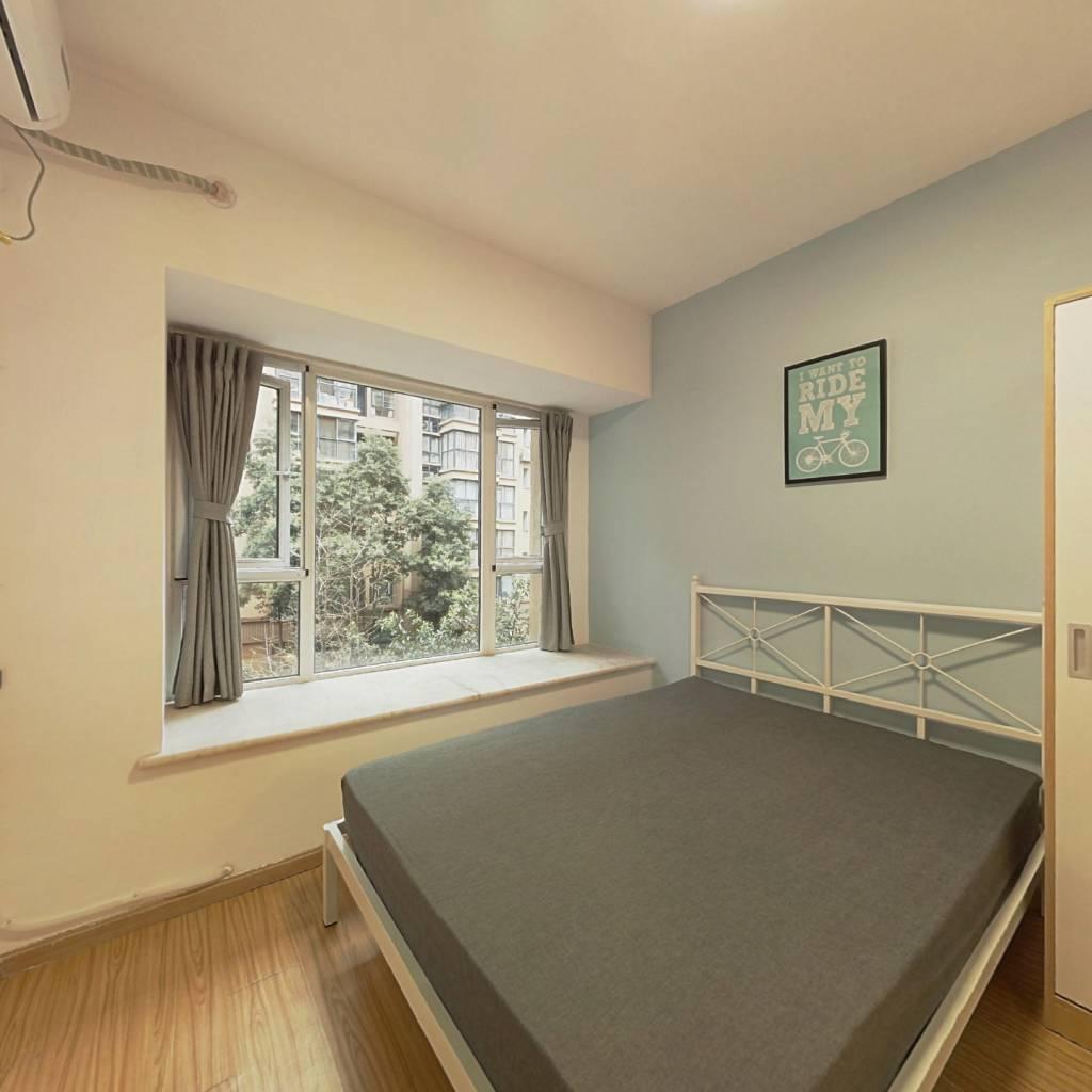 合租·华宇楠苑 3室1厅 西北卧室图