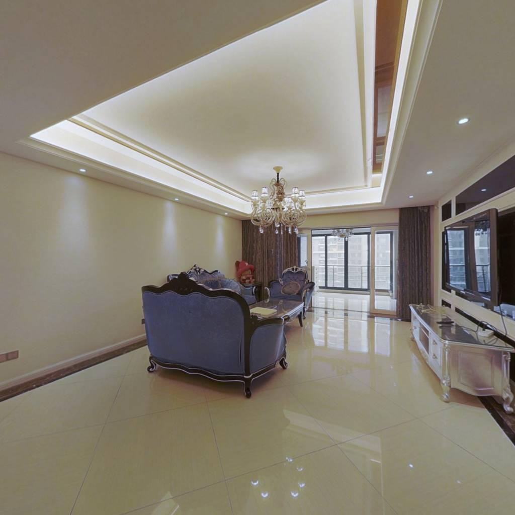 海豚湾优质房源,业主自己装修,欢迎实地看房
