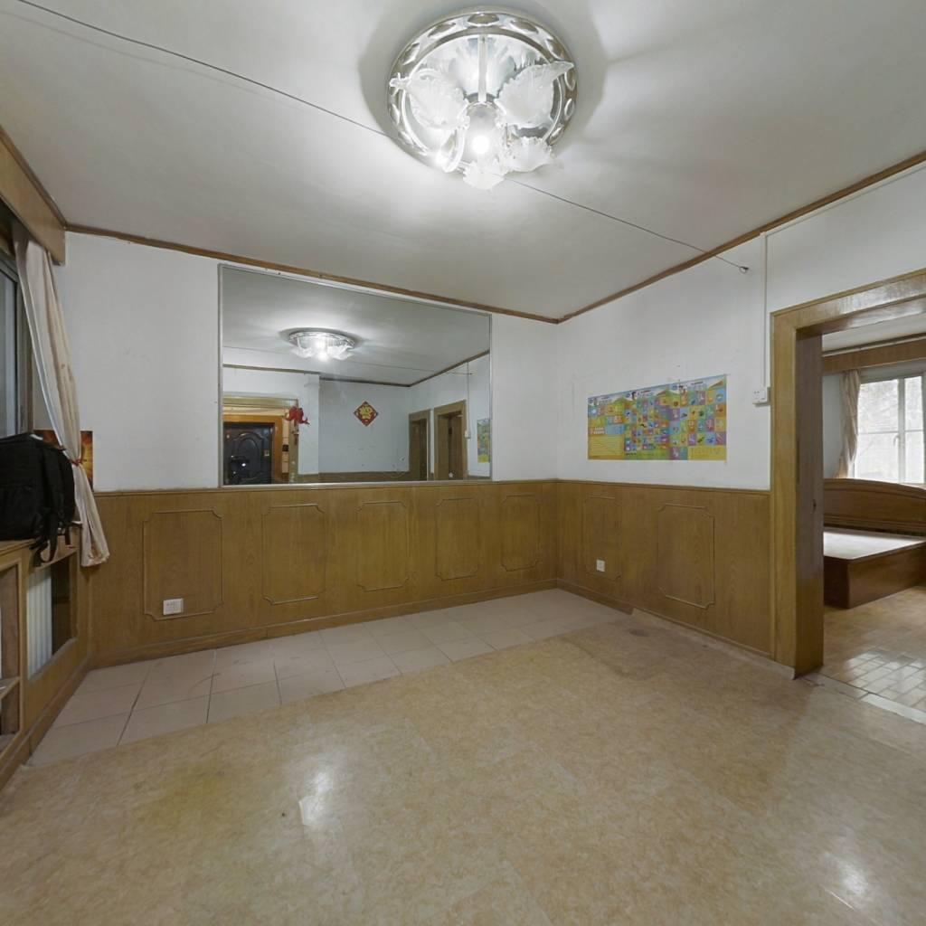 惠新里军休所南北通透三居室,正规客厅,采光无遮挡