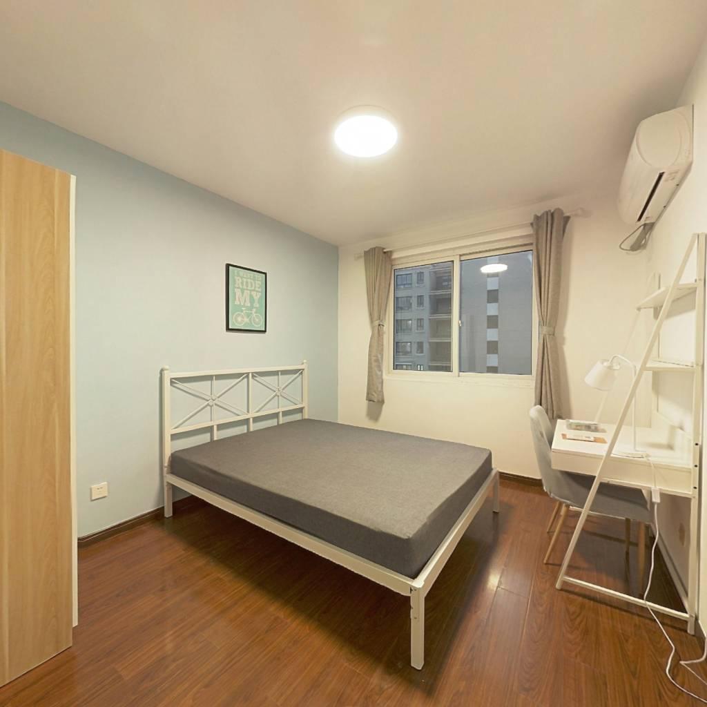 合租·翔瑞新苑 4室1厅 南卧室图