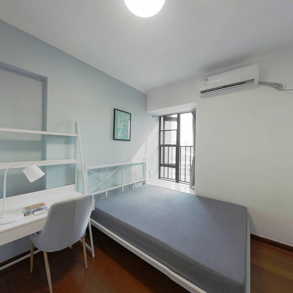 合租·御金沙澜山 4室1厅 南卧室图