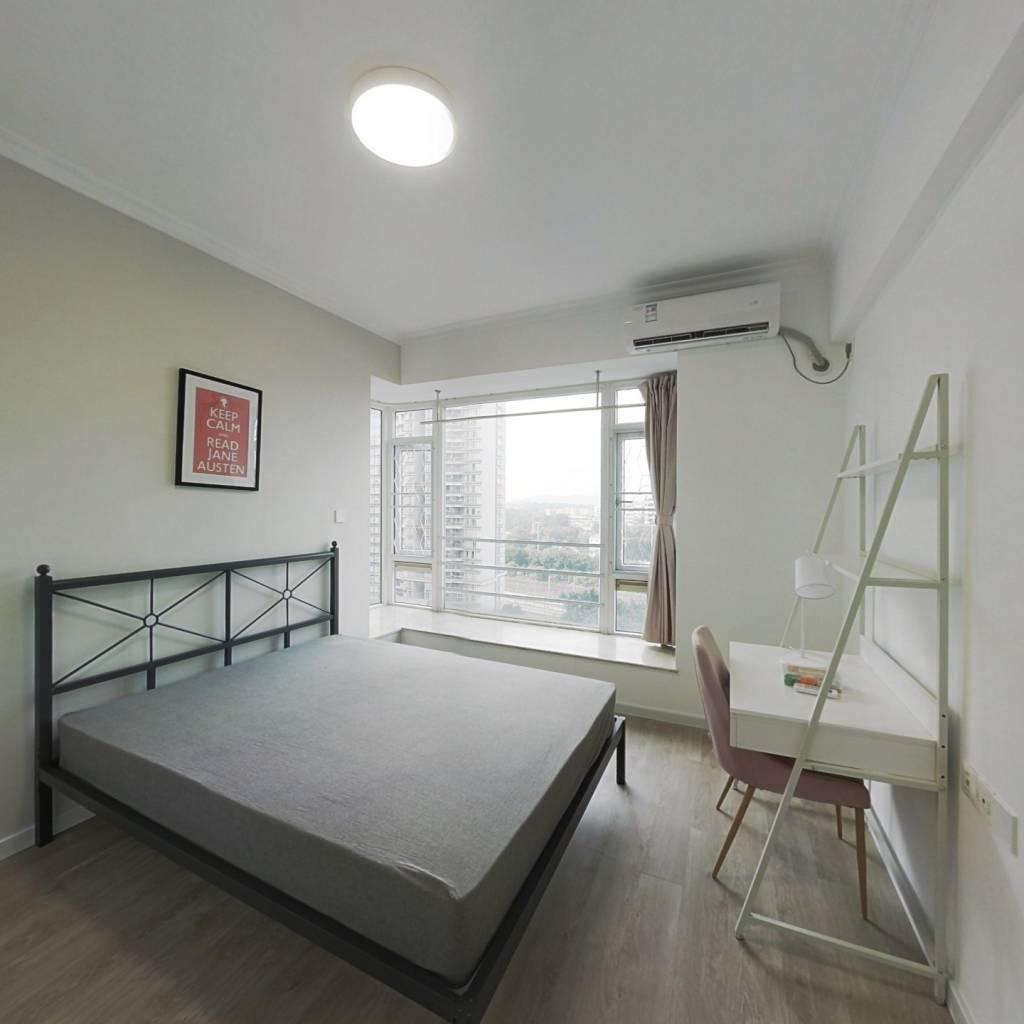 合租·华景新城芳满庭园 4室1厅 北卧室图