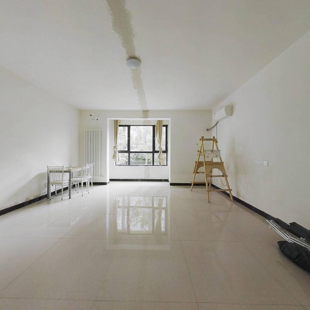 低楼层  适合老人居住的大四房 价格低