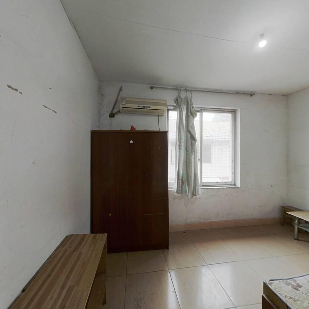 星沙汽配城小区 正规一室一厅 超大阳台 公摊面积小
