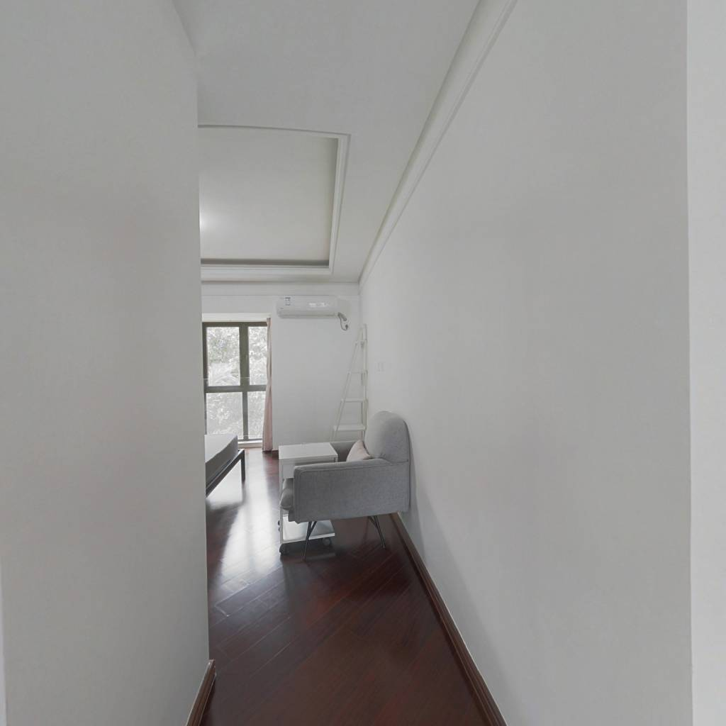 合租·万科城四期 5室2厅 南卧室图